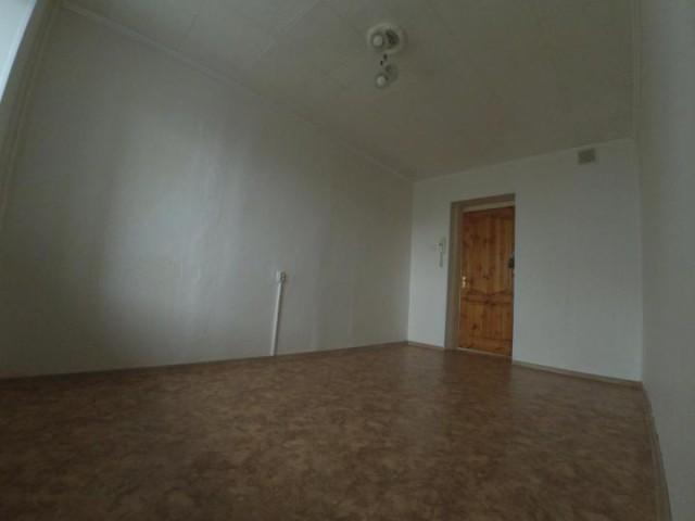 Продажа комнаты ул. Есенина, 30 - фото 2 из 4
